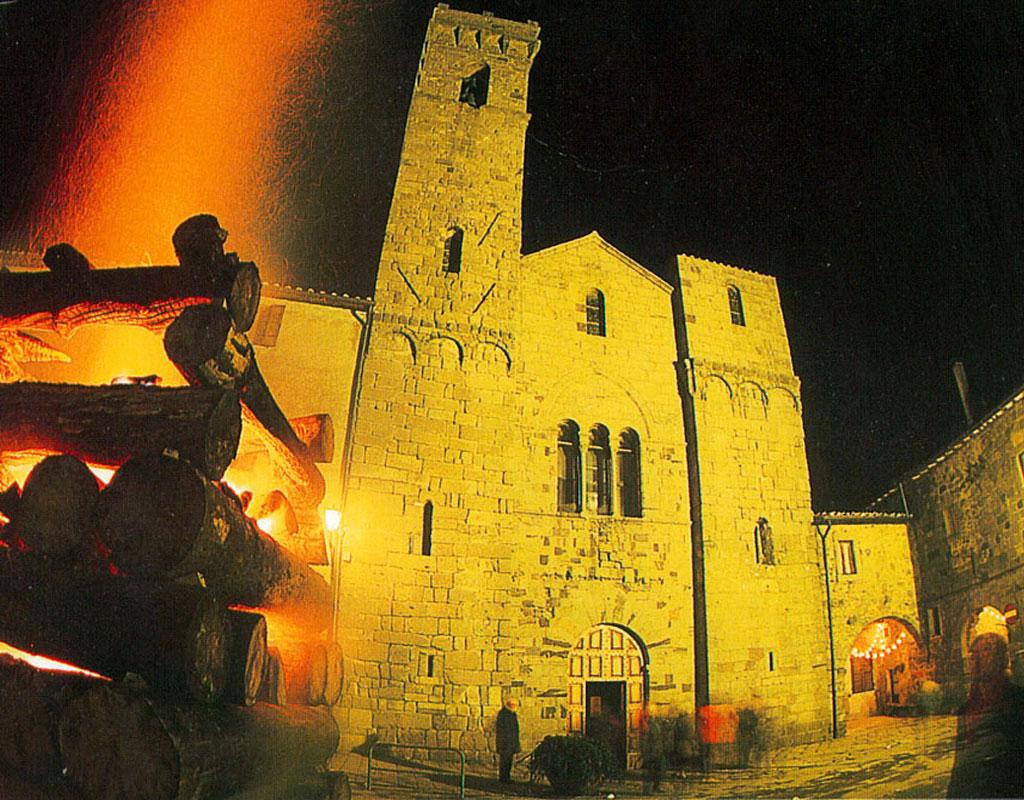 Abbazia San Salvatore e Le Fiaccole di Natale